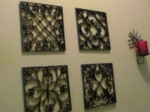 http://hubpages.com/hub/Clever-Crafts-Using-Toilet-Paper-Rolls