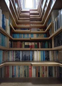 http://www.visualremodeling.com/2010/10/02/10-unconventional-home-libraries/