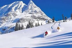 canada-ski-resort-3