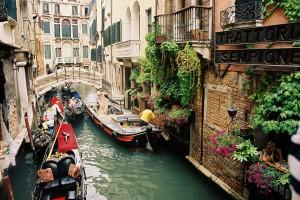 Venice-Canal-Veneto-Italy-14